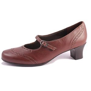 Munro Saddle Shoe Heels in Brown Leather